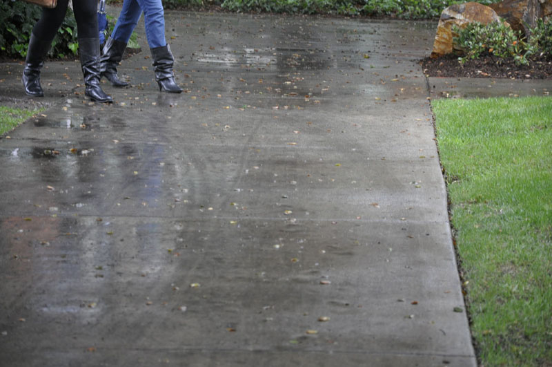 Most people on the University of La Verne campus Tuesday and Wednesday traded in their flip flops for sneakers and boots. The 80 percent chance of rain did not let up through both days. / photo by Erin Maxwell