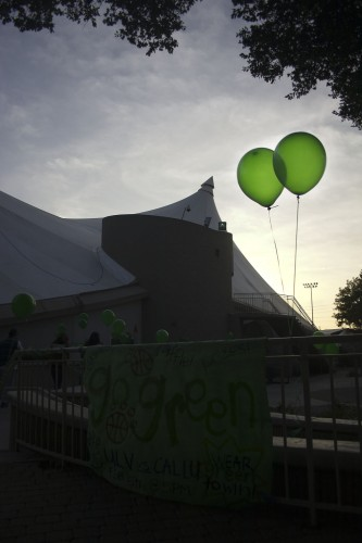 Green balloons and spirit posters line the path to the women's basketball game against Cal Lutheran University Saturday evening. Senior forward Emily Carrillo secured the victory for the Leos with 30 seconds remaining. The team is in third place in the SCIAC. / photo by Allison Lavelle