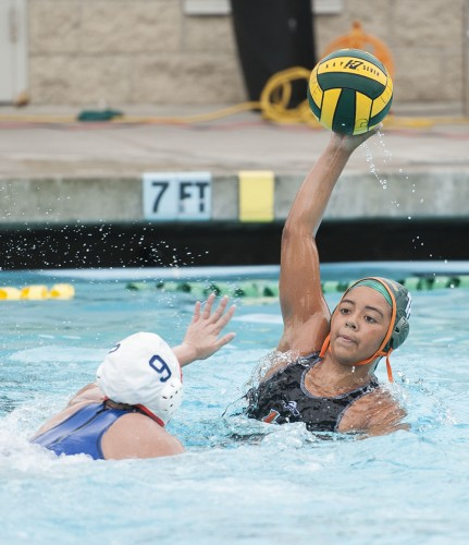 La Verne sophomore attacker Justine Mojarro looks to give the ball to the center for a goal scoring opportunity Saturday against Macalester at Las Flores Park. The Leopards topped the Scots, 16-3. / photo by Hunter Cole