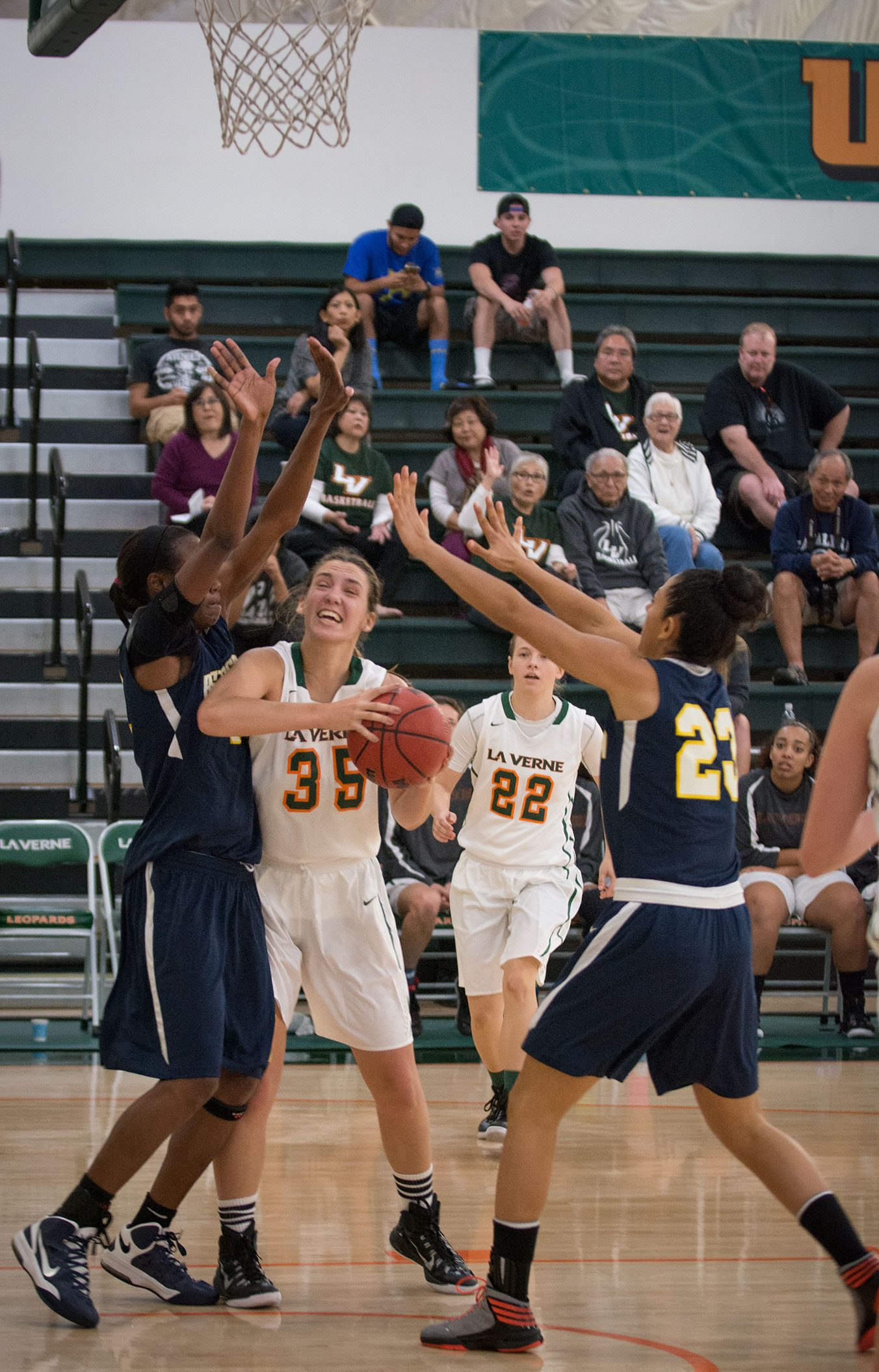 Leopards win first game of season | Campus Times