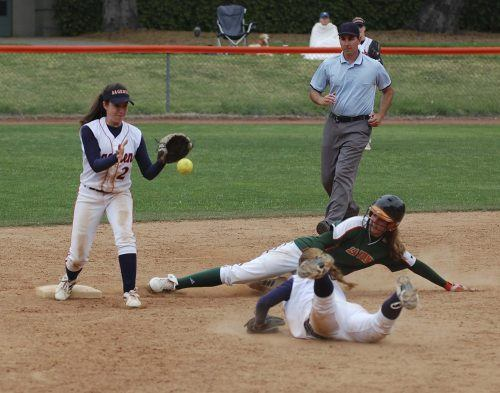 In the fifth inning on April 5, senior Jodi Lindsay advanced to second on an error against the Pomona-Pitzer Sagehens. La Verne tied the game in the seventh inning, but lost in the 10th, 12-11. The Leopards will play Redlands at 2 p.m. today at Wheeler Park. / photo by Jaclyn Dino
