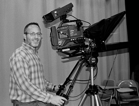 """Assistant Professor of Communications Kurt Inderbitzin has been hired to replace Professor of Communications Don Pollock, who is on sabbatical for 2004-2005. Inderbitzin has produced television movies, such as """"Time Shifters,"""" on TBS. / photo by Jenna Campbell"""