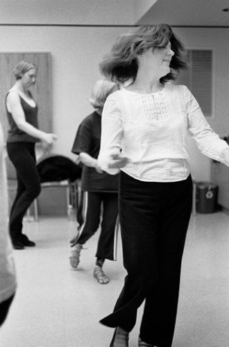 """Yael Steinfeld teaches Israeli folk dance to 12 students with a range of dance experience. She tells her students """"Don't look at the feet, just enjoy life."""" She instructs her class from 7 p.m. to 9 p.m. Mondays at the Joslyn Senior Center in Claremont. / photo by Reina Santa Cruz"""