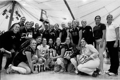 The University of La Verne women's volleyball team finishes its 2003 season as the No. 3 NCAA Division III team in the nation. / photo by Adam Omernik