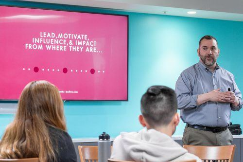 "Author T.J Sullivan addresses student leaders of several on-campus organizations in the Executive Dining Room April 11. His book, ""Motivating the Middle,"" offers suggestions for leaders to motivate other members of their clubs and organizations. / photo by Kayla Salas"