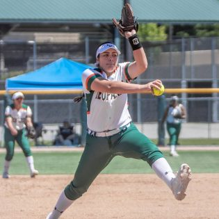 Sophomore Jiana Rojo pitches against Claremont-Mudd-Scripps in game one Saturday. The Leopards lost both games of the doubleheader against the Athenas, 5-1 and 7-5.