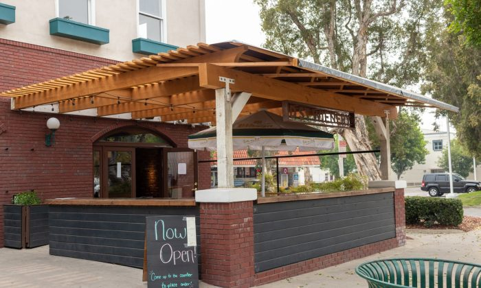 """D Street Wienery, next door to Cactus Cafe in downtown La Verne, welcomes customers with its outdoor patio to enjoy a socially distanced upscale weiner."" / photo by Christine Diaz"