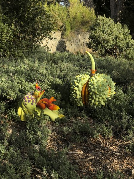 """The """"Instinct 3"""" sculpture by C.J. Jilek displayed at the California Botanic Garden is made to resemble plants in a human way. / photo by Sarah Van Buskirk"""